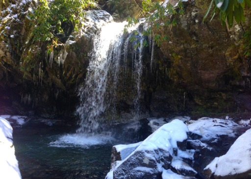 grotto-falls-winter